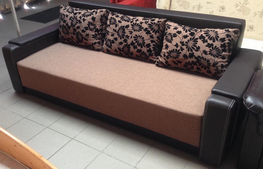 Kihúzható, ágyazható kanapék rugós vagy szivacsos kivitelben.